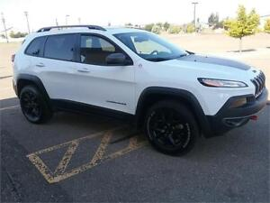 2016 Jeep Cherokee Trailhawk 4x4 **LEATHER-NAV-SUNROOF**