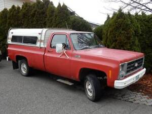 1979 Chevrolet PU, V8 4x4 with canopy
