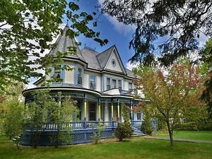 MAGNIFICENT VICTORIAN HOUSE 1895