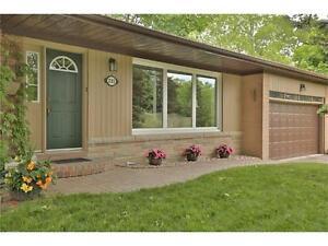 Gorgeous South East Oakville Home For Rent Oakville / Halton Region Toronto (GTA) image 3