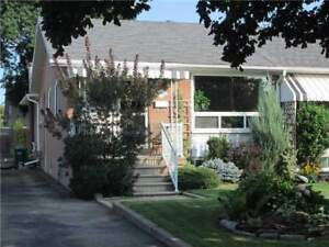 3 + 1 Bed 2 Bath Semi-Detached in Mississauga