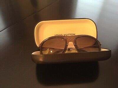 Men's Louis Vuitton Aviator sunglasses in Damier brown print with brown (Sunglasses With Printed Lenses)
