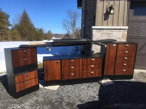 Bedroom Furniture - pick up TODAY
