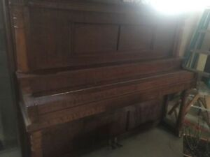 PIANO ...MANUAL OR PLAYER TYPE