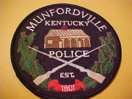 MUNFORDVILLE KENTUCKY  POLICE PATCH NEW SHOULDER SIZE NEW 4 X 4 INCH