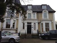 2 bedroom flat in Station Road, New Barnet, Herts
