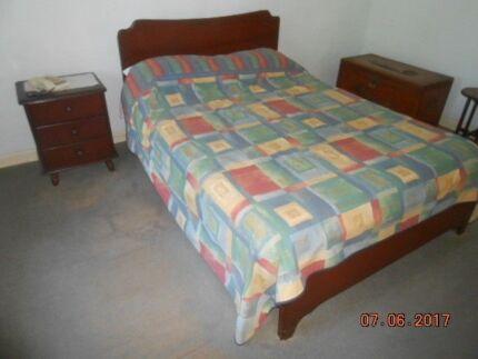 queen size bed $80
