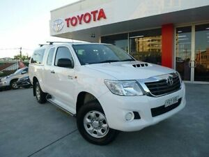 2012 Toyota Hilux KUN26R MY12 SR (4x4) Glacier White 5 Speed Manual Allawah Kogarah Area Preview