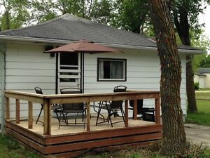 3 Bedroom Cottage 10 minutes South of Gimli in Winnipeg Beach