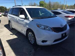 2013 Toyota Sienna LE - ALL WHEEL DRIVE!!