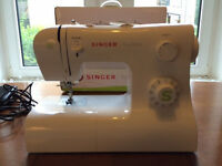 Singer Tradition 2273 Sewing Machine + 40 Gutermann Threads & Accessories