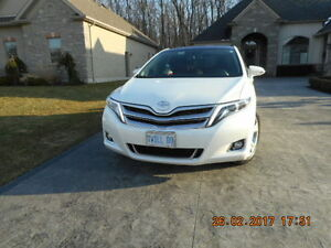 "2013 Toyota Venza Pearl White SUV, Crossover ""Private Sale"""