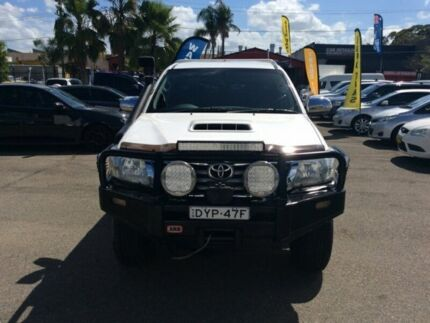 TOYOTA HILUX 2013 SR5   DIESEL TURBO 3.0DT  AUTO 4X4 AIR CONDITION POWER WINDOWS 2INCH LIFT KIT SAT  Lansvale Liverpool Area Preview