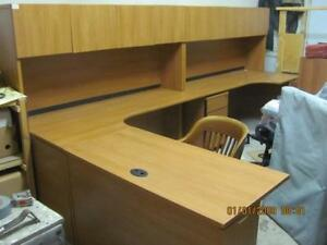 Excellent condition barely used Modular Office