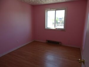 ROOMS FOR RENT IN GREAT DOWNTOWN LOCATION - 31-A Chatham St Kingston Kingston Area image 7
