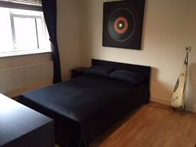 Very spacious double room with a lot of storage