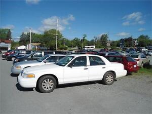 2006 CROWN VICTORIA - ONLY 78000 KM !!!! SUNROOF ! SLT -LOADED