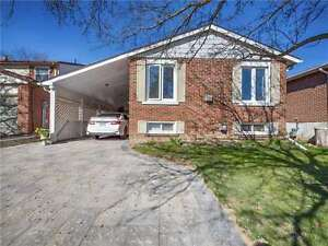 Lovely 3 Bedroom Bungalow in Central Newmarket-Main Floor