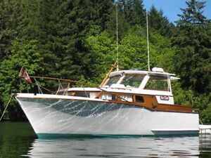 Rare Find-1962 Brandlymar classic with boathouse