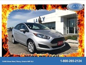 2016 Ford Fiesta SE, Only16957 KM's, One Owner!!