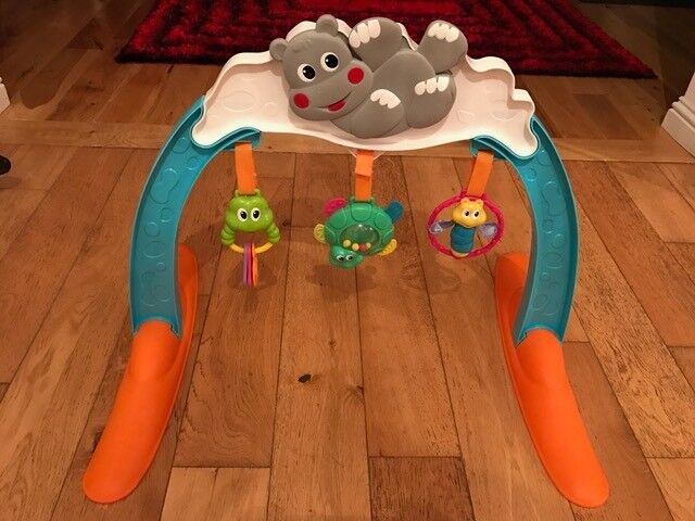 Musical gym by Chicco - Excellent condition