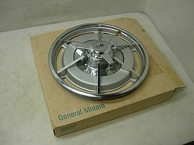 1 Nos Real Gm 1963 Corvette Hub Cap   Spinner 63 Frosted Hubcap Zo6 New In Box