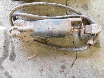 John Deere Black Hydraulic Cylinder 1 Hose Part R27421r Tag 554