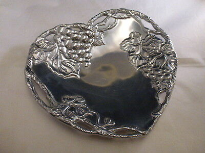 ARTHUR COURT DESIGNS Grape Heart Coupe Tray, NEW w/Box, Item# 10-1958