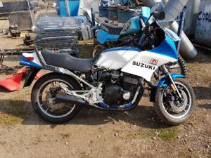 1983 SUZUKI GS550ES PROJECT