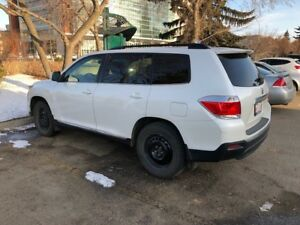 2013 Toyota Highlander - Excellent Condition