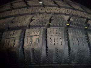 4 pneus d'hiver 205/65/16 Toyo Observe GSI-5