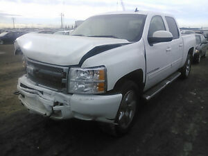 Parting out 2009 Chevrolet Silverado 1500 ltz Pickup Truck