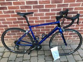 Giant Defy 2 Road Bike 2016 Medium Frame as new