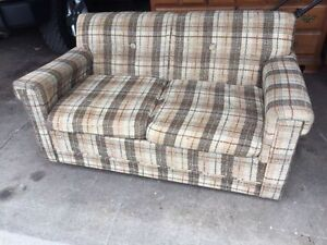 Vintage couch w/ bed - free drop off !!