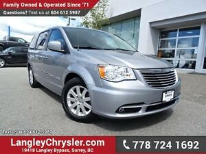 2013 Chrysler Town & Country Touring ACCIDENT FREE w/ POWER S...