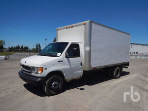URGENCE! 2000 FORD E450 16pieds cube camion avec rampe