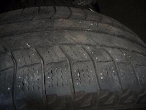 2 pneus d'hiver 235/70/16 Michelin Latitude