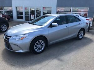 2017 Toyota Camry LE FULLY EQUIPPED LE TRIM LEVEL. LEGENDARY...