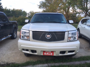 ESCALADE 2005 97K LOADED AWD NOT MISPRINT 97899KILOMETERS
