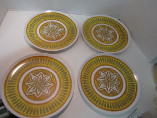 Lot of 4 Vintage Texas Ware Dinner Plates Mid Century Melamine Gold Yellow Green