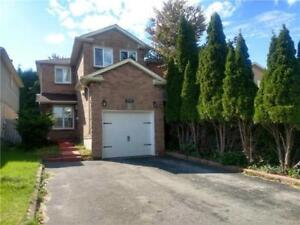 Newly Renovated 3 Bed Room Home For Your Family - Pickering