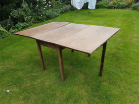 Large,antique mahogany,extending,gate leg,drop leaf,table,dining table