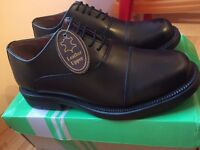 Scimitar Capped Oxford Cadet Shoe, Size 5. Brand new!