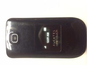 Alcatel One touch flip phone Telus/ Koodo $30 Almost New(9.5/10)
