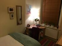 Lovely double room in a mansion block in the heart of West Hampstead