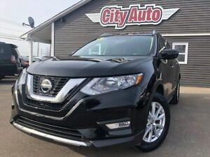 2018 Nissan Rogue SV  Heated Seats    Panoramic Sunroof  AWD