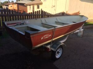 Lund 14' D&W S-14 boat and Trailer