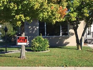 ***Open House Today 11AM to 5PM*** 84 Wellington St, Kingsville