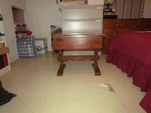 Table basse de style rustique en bois avec 1 tiroir