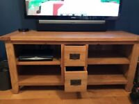 VANCOUVER BESP PREMIUM SOLID OAK LARGE T.V UNIT and CONSOLE TABLE NEARLY NEW!